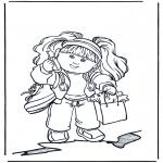 Детские раскраски - Девочка с мобильником
