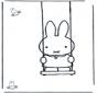 Кроличка на качелях