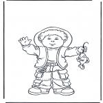 Детские раскраски - Мальчик с рыбой