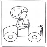 Детские раскраски - Мальчик в машине