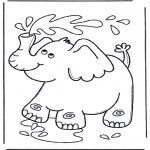Раскраски с животными - Слон брызгается