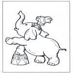Раскраски с животными - Слон в цирке